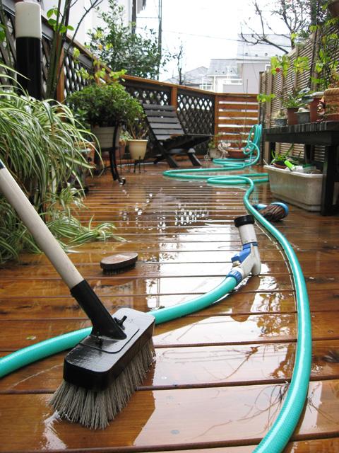 デッキの木材を傷めない高圧洗浄用専用カートリッジ。