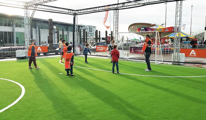 フットサルコートに使用した景観用・スポーツ兼用人工芝