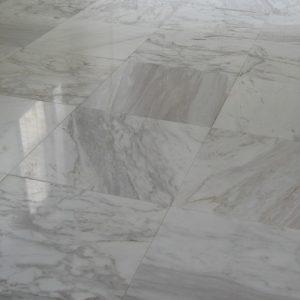 天然大理石で 寝室を真っ白にリフォーム