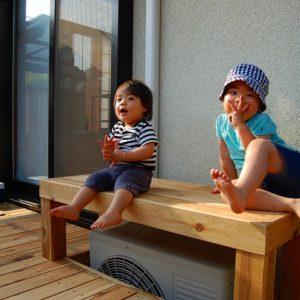 目隠しフェンスが付いた サイプレスのウッドデッキ – 横浜市保土ヶ谷区 S様邸