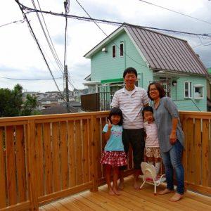 家族が集う 見晴らしよい空中デッキ – 横浜市旭区 T様邸