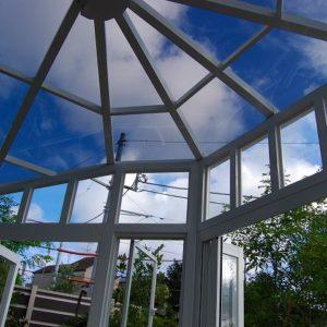 高い天井のアウトリビング アルミ製のコンサバトリー