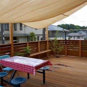 広がるウッドデッキで 生活しやすいお庭になりました – 横浜市保土ヶ谷区 K様邸