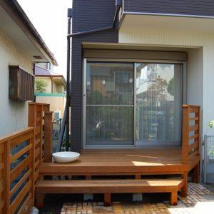 天然木に囲まれた ガーデニングを楽しむ癒しの空間 – 横浜市瀬谷区 K様