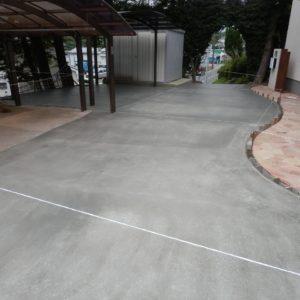 砂利のお庭をコンリート舗装