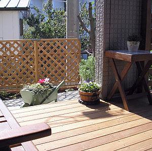 お庭を飾る ジェラストーンとイペデッキ