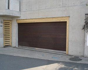 ガレージシャッターの取り換え工事 神奈川県リフォーム物件